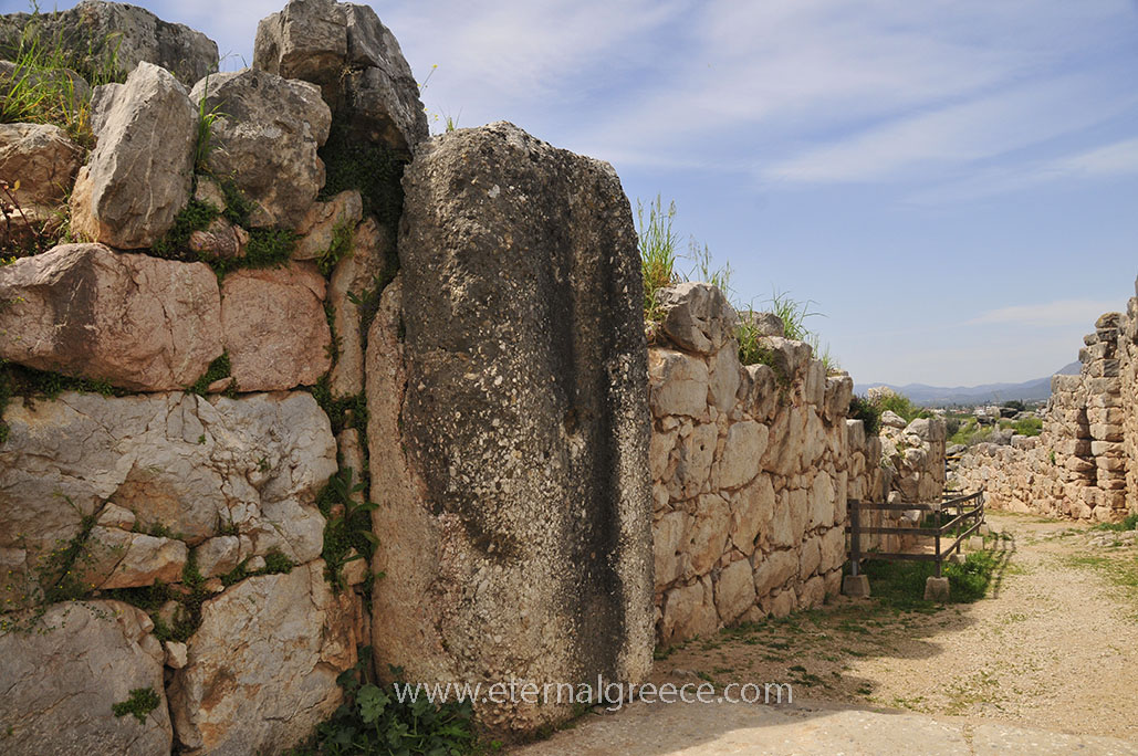 Ancient-Tiryns-1-www.eternalgreece.com-by-E-Cauchi-0014